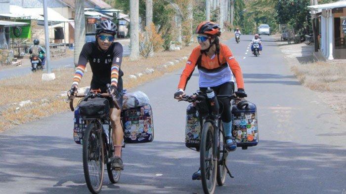 Kisah Maia Lan dan Rafli Setahun Keliling Indonesia Naik Sepeda, Duo Bikepacker Tiba di Jawa Timur