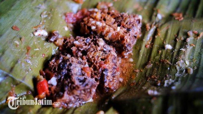 Nikmatnya Pincukan Tawon, Sajian Langka di Kota Batu Berbahan Dasar Sarang Lebah Madu, Cuma Rp7 Ribu