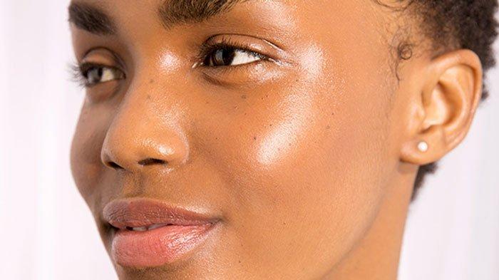 5 Langkah Menghapus Makeup Agar Wajah Tidak Cepat Keriput, Iritasi, dan Tetap Tampak Awet Muda