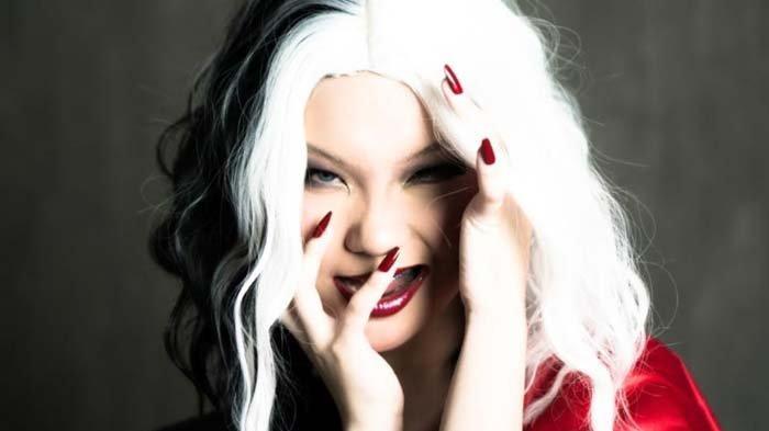 Recreate Cruella Look, Unggulkan Riasan Mata yang Bold dan Futuristic