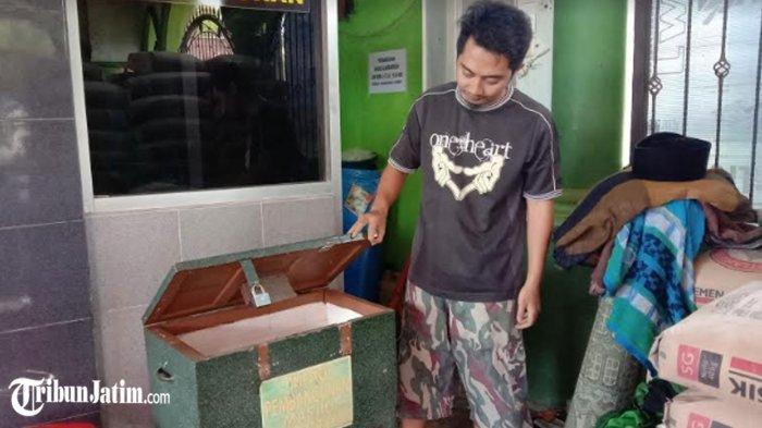 Maling Kotak Amal Beraksi di Masjid Al Mubarokah Kota Malang, Tertangkap CCTV: Pelaku Memakai Kopyah