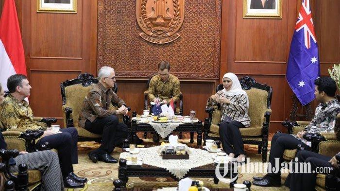 Bertemu Mantan PM Australia, Khofifah Tawarkan Investasi Public Transport Surabaya Megapolitan