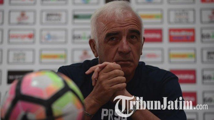 Pernah Bikin Kepala Mario Gomez Berdarah & Saat Ini Jadi Pelatih Arema FC, Aremania : Itu Masa Lalu