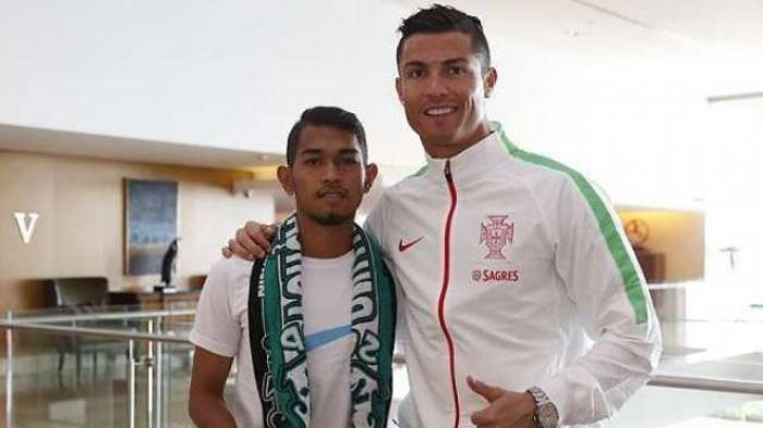 TERPOPULER BOLA: Pengakuan Anak Angkat Cristiano Ronaldo hingga Rendi Irwan Prank Rekan di Persebaya