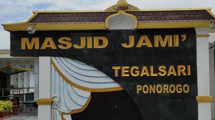 Masjid KH Hasan Besari Tegalsari Tak Selenggarakan Salat Lail Berjamaah
