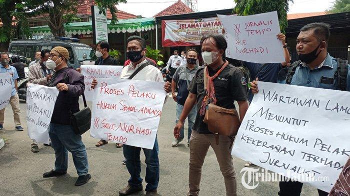 Sikapi Kekerasan Terhadap Jurnalis, Puluhan Wartawan di Lamongan Gelar Aksi Solidaritas