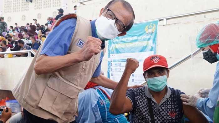 Antusiasme Masyarakat Magetan Ikuti Vaksinasi Covid-19 Serentak Bersama Pemkab-TNI Polri