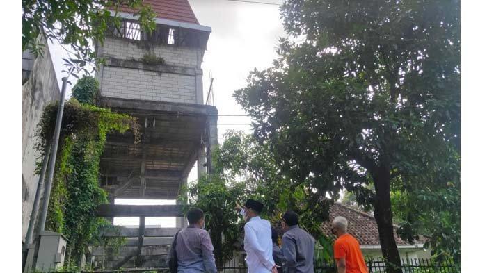 Kamuflase Menara Tower Telekomunikasi Disidak Komisi A DPRD Kota Malang Seusai Dikeluhkan Warga