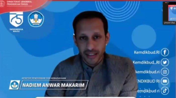 Mendikbud Nadiem Makarim memberi sambutaan di kegiatan pembukaan PKKMB Unitri Malang, Senin (31/8/2020).