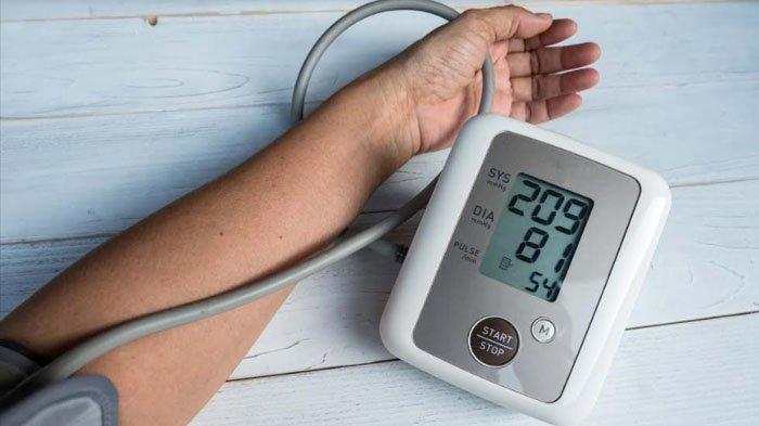 Mengenal Faktor Risiko Hipertensi, Lifepack: Hindari Konsumsi Makanan Tinggi Garam