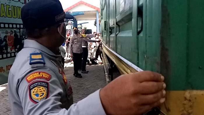 Pertama di Jatim, Satlantas Polres Tulungagung Bawa Pemilik Kendaraan Kelebihan Muatan ke Pengadilan