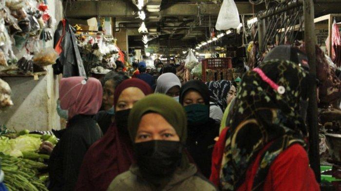H-1 Lebaran, Nadi Ekonomi Pasar Wonokromo Surabaya Berdenyut Cepat