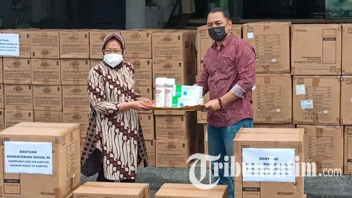 Mensos Tri Rismaharini Salurkan Bantuan Penanganan Pandemi Covid-19 ke Balai Kota Surabaya