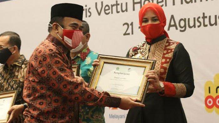 Bupati Jember Terima Penghargaan Kemenag RI, Kebijakan Pemkab Terkait Pendidikan Islam Diapresiasi