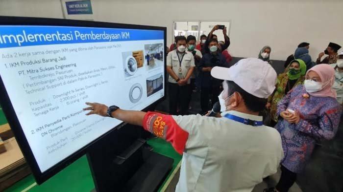 Menteri Ketenagakerjaan Ida Fauziyah Apresiasi Kerja Sama Panasonic dan IKM Kota Pasuruan