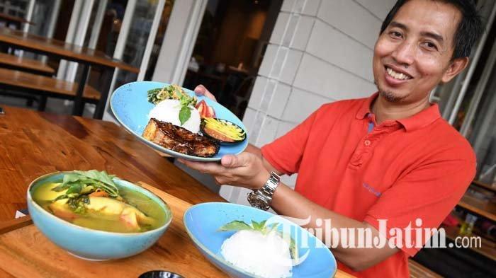 Anti Amis, Nikmati Sup Iwak Warung Pak Umar Surabaya yang Memadukan Perasan Jeruk Limau dan Kemangi
