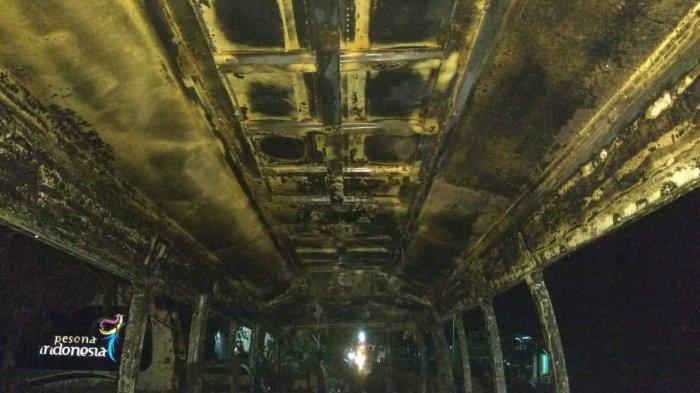 Gara-gara Lampu Disko, Mobil Elf di Ponorogo Hangus Terbakar