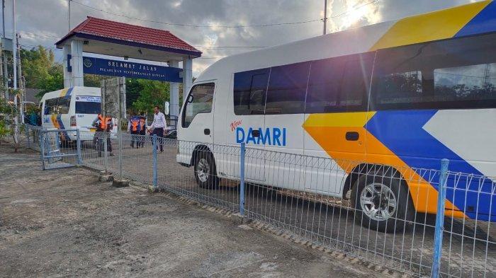 Pemkab Gresik Permudah Transportasi di Pulau Bawean dengan Dua Minibus Damri