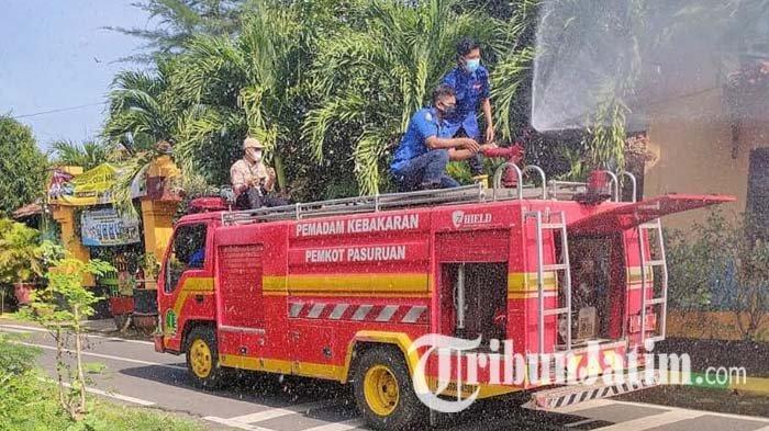 Gus Ipul Perintahkan Penyemprotan Disinfektan Menyeluruh di Kota Pasuruan, Dilakukan Dua Kali Sehari