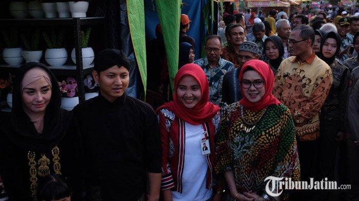 Buka Pasar Rayat, Bupati Mas Ipin Prioritaskan UMKM Lokal dari Kabupaten Trenggalek
