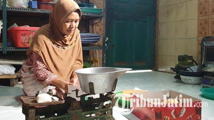 Mufidah, CJH Mojokerto Sisihkan Uang Hasil Jual Kue Bertahun-tahun untuk Haji, Batal Berangkat 2020