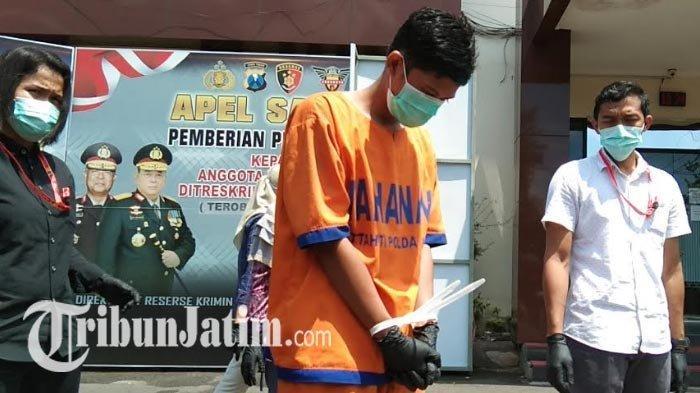 BREAKING NEWS - Pria Jombang Jajakan Tubuh Istri Rp 2 Juta, Digerebek Polisi saat Layani Pelanggan