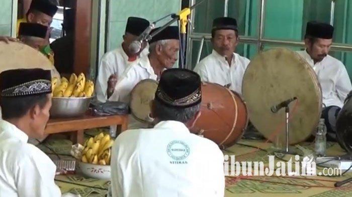 Dendang Indah Selawat Lewat Musik Gembrungan di Magetan, Dimainkan Seniman Lansia Pasca Pesta Pisang