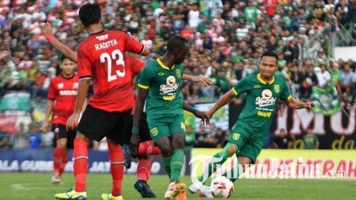 TERPOPULER BOLA: Persebaya vs Arema FC Batal Main di Malang hingga Tanggapan Manajemen Singo Edan