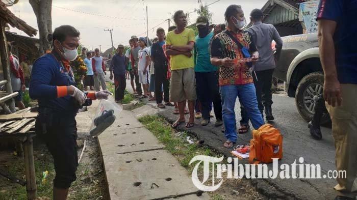 BREAKING NEWS - Pria di Tuban Bacok Temannya di Jalan hingga Tewas
