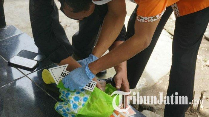Polisi Buru Pembuang Bayi yang Dibungkus Tas Hajatan di Mojokerto, Bayi Diduga Hasil Hubungan Gelap