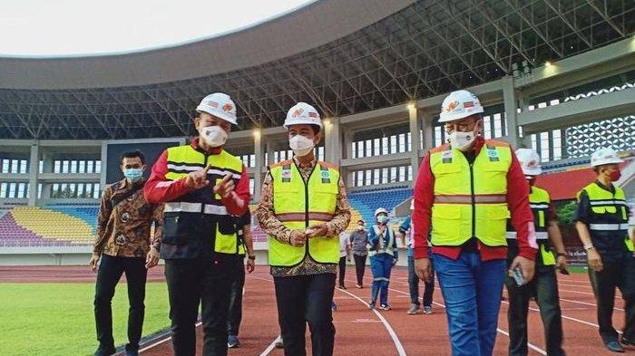 PT LIB bersama Wali Kota Solo, Gibran Rakabuming Raka di Stadion Manahan
