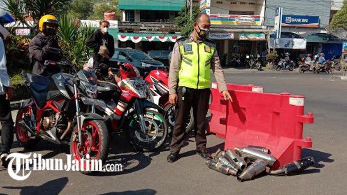 12 Pengendara Disuruh Copot Knalpot Brong Motornya, Wajahnya Akan Muncul di Videotron Kota Malang