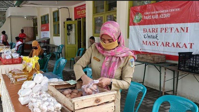 Antisipasi Kenaikan Harga Pangan Jelang Lebaran, Pemkab Kediri Gelar Operasi Pasar Murah di Pare