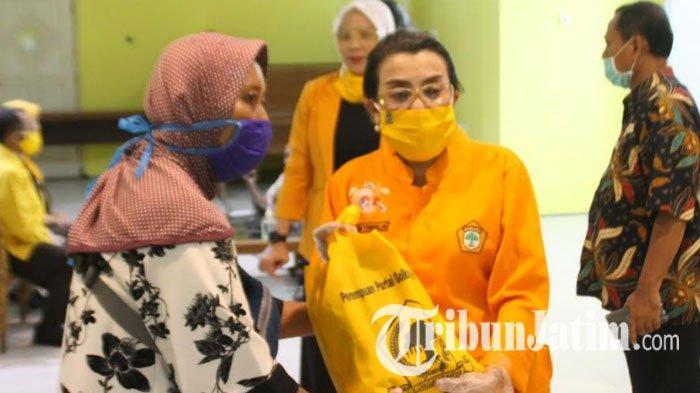 Peringati Hari Kartini, Perempuan Golkar Jatim Salurkan 3.000 Paket Sembako di Sejumlah Wilayah