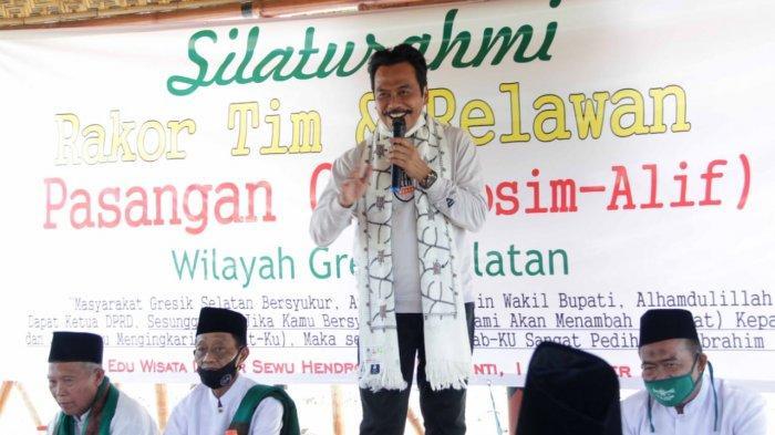 Pak Qosim Dinobatkan Jadi 'Bapaknya' Warga Gresik Selatan, Dokter Alif Optimistis Penanganan Banjir
