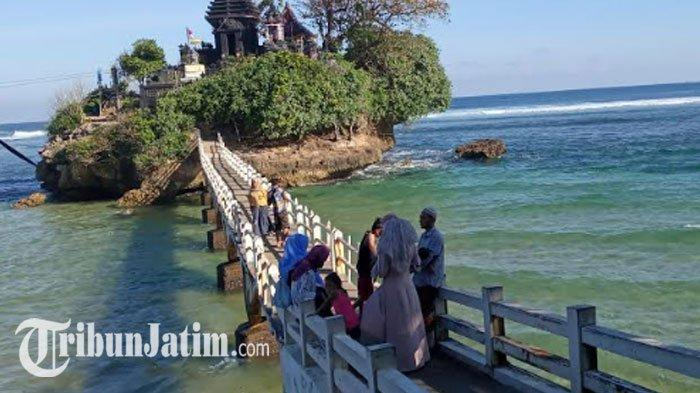 Harga Tiket Masuk Pantai Balekambang, Ada Pura di Atas Tebing Mirip Tanah Lot, Wisata Populer Malang