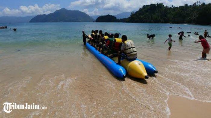 Salah satu destinasi wisata pantai di Kabupaten Trenggalek.