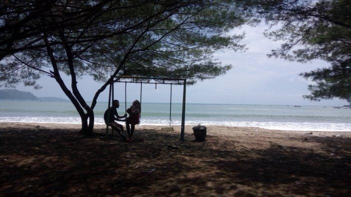BERITA TERPOPULER JATIM: Viral di WA Rumor Tsunami di Pantai Sine hingga Pria Tuban Bacok Tetangga