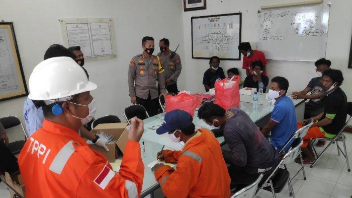 Tiba di Tuban, 16 ABK Beri Kesaksian Detik-detik Api Melahap Habis Kapal di Bangka Belitung