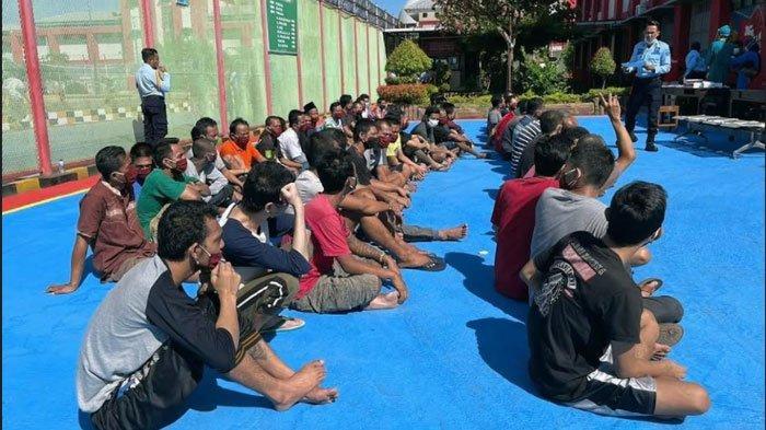 Lapas Narkotika Pamekasan Terima 60 Napi Pindahan dari Surabaya, Sebelum Masuk Dijemur Dulu