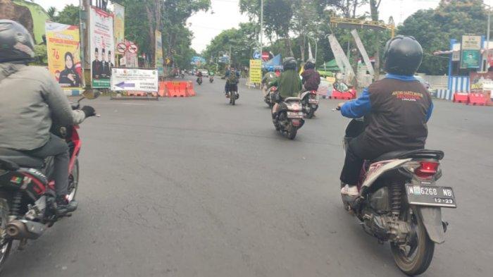 Ruas Jalan di Probolinggo Dibuka, Aktivitas Warga Mulai Berjalan, Kasat Lantas : Tetap Patuhi Prokes