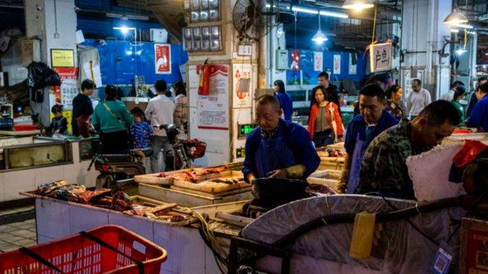 Pasar seafood di Wuhan, Hubei, China, yang menjadi sumber virus Corona