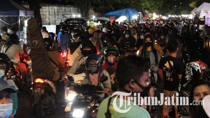 BREAKING NEWS: Malam Takbiran, Pasar Tumpah Siwalankerto Surabaya Dipadati Pengunjung