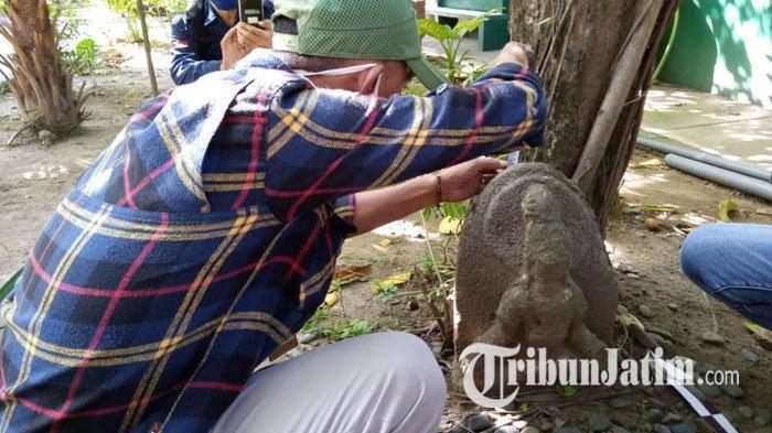 Sudah 14 Tahun Patung Ini Tergeletak di Taman SMPN 1 Tulungagung, Terkuak Sosok Patung Itu; 'Dewa'