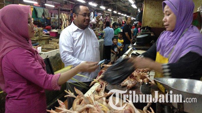 Jelang Lebaran Ketupat, Harga Ayam di Surabaya Masih Mencekik