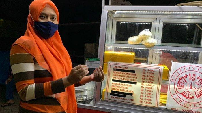 Rajin Bayar Iuran, Pedagang Bakpau di Malang ini Rasakan Manfaat Daftarkan JKN-KIS Keluarganya