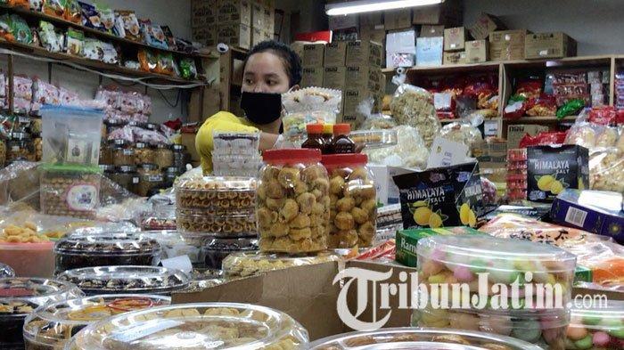 NEWS VIDEO: Curhatan Pedagang Pasar Atom Surabaya Jelang Lebaran, Lapak Sepi Pembeli, Omzet Anjlok