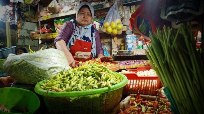 Daya Beli Masyarakat Jatim Menurun di Tengah Inflasi, Ekonom: Pendapatan Perlu Dijaga