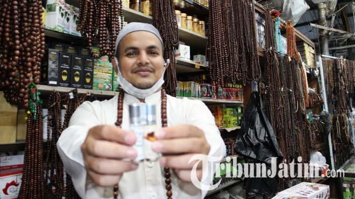Tasbih dan Manik-manik Masih Jadi Bisnis Andalan Kampung Arab Surabaya, Selalu Cuan Saat Ramadan