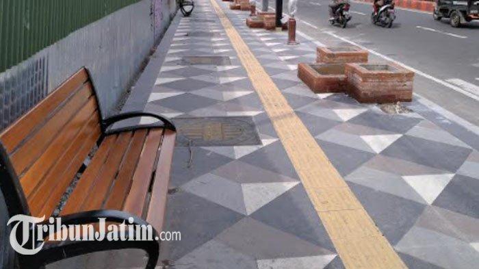 Proyek Pembangunan Pedestrian Sisi Barat Jalan A Yani Kota Nganjuk Tuntas Sesuai Target